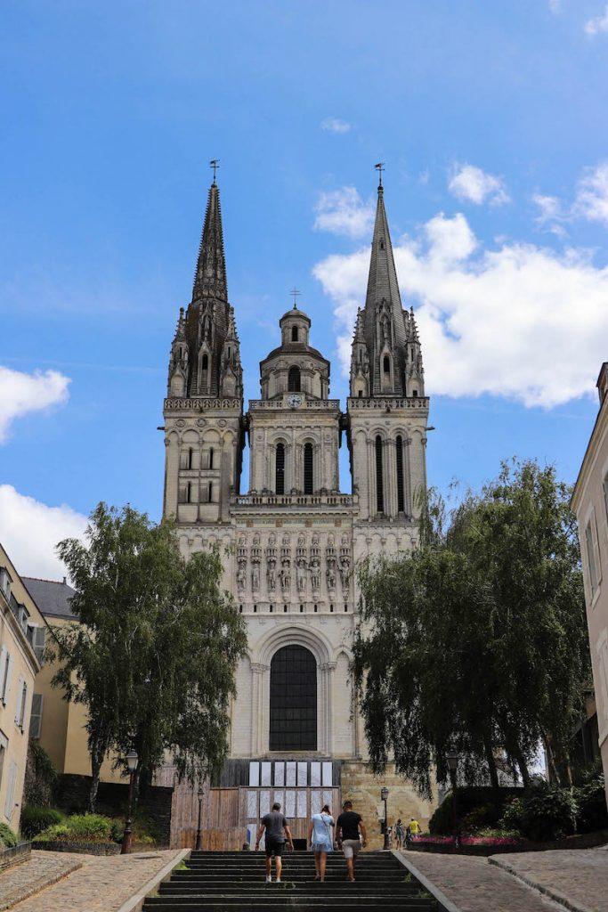 visiter la cathédrale saint maurice a angers