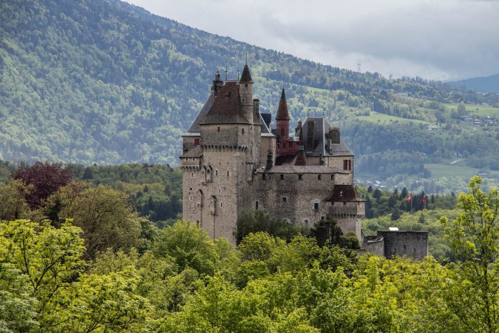 chateau menthon saint bernard annecy